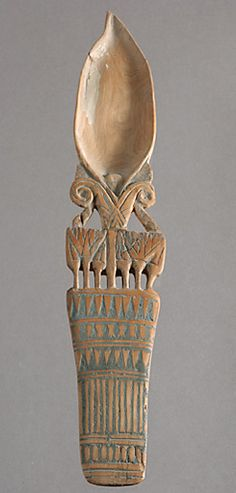"Called ""spoons eye"" of the spoon bowls crafted to handle often bucolic grounds. None door track to elucidate the nature of their content. Most date back to the New Kingdom (1400 to 1200 BC), some dating from the 25th Dynasty (715-656 BC). 
