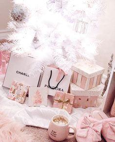 Fashion wallpaper vogue style 62 new ideas Shabby Chic Christmas, White Christmas, Christmas Time, Fashion Wallpaper, Pink Wallpaper, Vogue Wallpaper, Wallpaper Ideas, Deco Rose, Pink Princess