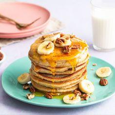 American Pancakes met banaan en haver | Bakken.nl American Pancakes, Banana Pancakes, Tapas, Sweet Treats, Cupcakes, Yummy Food, Sweets, Meals, Snacks