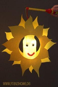 turnen im kindergarten weihnachten - Mode Für Teens Light Crafts, Fun Crafts, Diy And Crafts, Arts And Crafts, Paper Crafts, Projects For Kids, Diy For Kids, Crafts For Kids, Paper Lantern Lights