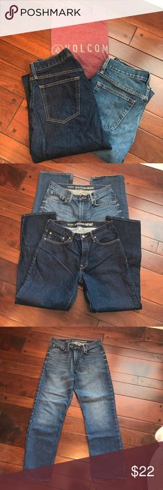 "2 Pair of Old Navy ""Famous Jeans"" Two pair of Men's Old  Navy ""Famous ""Jeans. First pair,dark wash. Second pair, distressed wash. Both Regular standard fit and barely worn. Excellent condition. Size 31"" x 30"" Old Navy Jeans Straight"