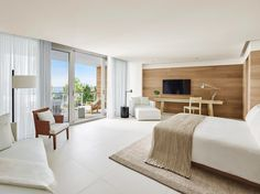 Bedroom-MiamiBeachEdition-Florida-CRHotel.jpg