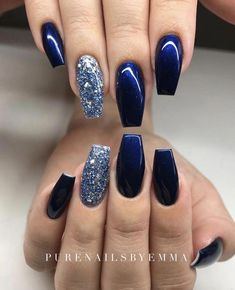 There are three kinds of fake nails which all come from the family of plastics. Acrylic nails are a liquid and powder mix. They are mixed in front of you and then they are brushed onto your nails and shaped. These nails are air dried. Sparkle Acrylic Nails, Silver Sparkle Nails, Blue Glitter Nails, Acrylic Nails Pastel, Blue Gel Nails, Blue And Silver Nails, Navy Blue Nails, Blue Chrome Nails, Hair And Nails