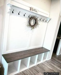 Farmhouse Hall Trees, Rustic Farmhouse Entryway, Rustic Bench, Shoe Cubby Bench, Small Mudroom Ideas, Mudroom Laundry Room, Mudroom Cubbies, Mudroom Bench Plans, Entryway