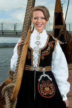 Hello all, Today I will try to cover all of Norway. Norway has many beautiful costumes, and the folk costume culture is alive and we. Norwegian Clothing, European Costumes, Costumes Around The World, Art Populaire, Scandinavian Fashion, Historical Clothing, Folk Clothing, Beautiful Costumes, Ethnic Dress