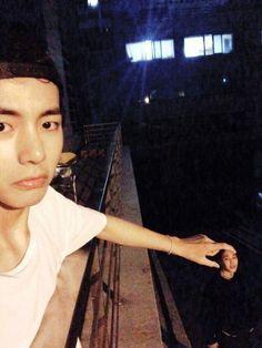 Taehyung and Jimin Bts Jimin, V E Jhope, Taehyung Selca, Bts Bangtan Boy, V Bts Cute, I Love Bts, Foto Bts, V Bts Wallpaper, Les Bts