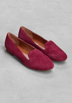 & OTHER STORIES | Suede slippers in dark red | suede | Round toe.  Classic slipper cut on the vamp.  Stacked leather heel.  Cushioned leather insole and a leather outsole with rubber beneath the sole | Heel height: 1.5 cm | £55