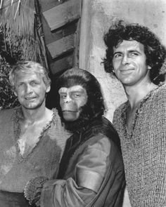Colonel Alan Virdon (Ron Harper), Galen (Roddy McDowall) and Major Peter J. Burke (James Naughton) - Planet of the Apes: The TV Series Revolution, Sci Fi Tv Series, Saga, Marvel, Planet Of The Apes, Iconic Movies, Cartoon Tv, Original Movie, Classic Films