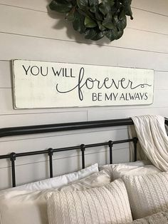 41 Rustic Farmhouse Master Bedroom Ideas - An open family room and kitchen where the family eats is designed in charming farmhouse style which makes it a warm and welcoming heart for the home. Country Farmhouse Decor, Farmhouse Style Kitchen, Rustic Decor, Modern Farmhouse, Farmhouse Signs, Rustic Chic, Country Modern Decor, Farmhouse Interior, Shabby Chic