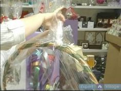 How To Make Elegant Gift Baskets : How To Wrap A Gift Basket With