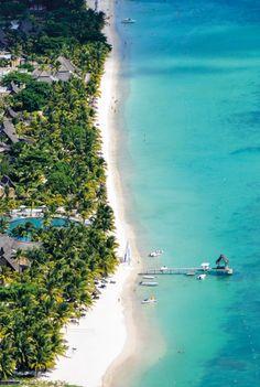 Verblijf in een luxueuze suite of privévilla's in vijfsterrenresort Trou aux Biches op het paradijselijke Mauritius.