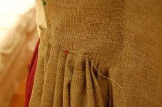 A robe a l'anglaise--or en fourreau gown--a tutorial! Part One, Getting Started and Skirt Pleats