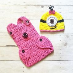 7a9cacf322e Crochet Baby Minion Hat Beanie Diaper Cover Overalls Set Handmade Newborn  Infant Photography Photo Prop Baby Shower Gift. Red Lollipop Boutique