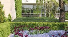 GIVERNY / Musée des impressionnismes. Depuis 2009, deux à trois expositions par an ponctuent la saison qui commence fin mars-début avril et s'achève à la fin du mois d'octobre. Ces expositions temporaires rassemblent les œuvres originales des plus grands noms du courant impressionniste, notamment la colonie de peintres de Giverny et de la vallée de la Seine.