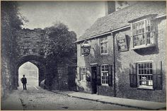 Old Castle Inn, Castle View date unknown Nottingham, Leicester, Family History, Old Town, Random Stuff, Photographs, Castle, Shops, Pictures
