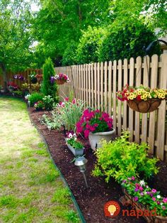 front garden 50 Stunning Spring Garden Ideas for Front Yard and Backyard Landscaping - Outdoor Landscaping, Front Yard Landscaping, Backyard Patio, Outdoor Gardens, Simple Landscaping Ideas, Fenced In Backyard Ideas, Front Yard Gardens, Backyard Ideas On A Budget, Mulch Ideas