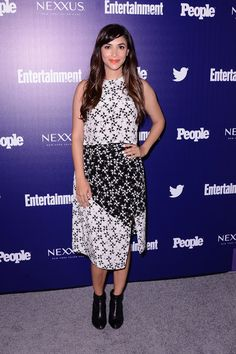 Hannah Simone Ankle Boots - Hannah Simone toughened up her dress with a pair of black ankle boots.