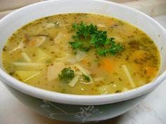 Sušené houby namočíme do vody. Na trošce sádla osmahneme pokrájenou zeleninu s cibulí. Osolíme, opepříme a přidáme houby i s vodou, ve které... Bon Appetit, Cheeseburger Chowder, Gluten Free Recipes, Thai Red Curry, Food And Drink, Eat, Cooking, Ethnic Recipes, Life
