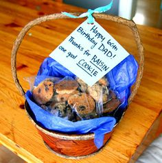 """Gift idea for parents- Oatmeal Raisin Cookies ... """"Thanks for RAISIN one good COOKIE""""  My dads favorite!"""