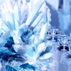 14714453_730486340439701_3734977674557259776_n Winter Wonderland Christmas Party, Christmas Centerpieces, Blossom Flower, Trick Or Treat, Holiday Parties, Snowflakes, Wedding Inspiration, Wedding Ideas, Studio