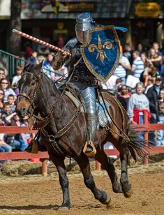 Watch the Jousting Knights - Arizona Renaissance Festival Medieval Life, Medieval Knight, Medieval Armor, Medieval Fantasy, Armadura Medieval, Knight In Shining Armor, Knight Armor, Horse Caballo, Horse Costumes