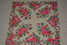 Vintage floral wool shawl Ukrainian floral head by Lilivintagebox