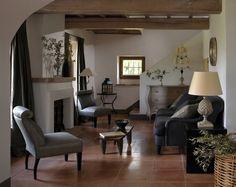 Villa Paola in Italy, Umbria, Lisciano Niccone - Vollbildansicht Villa Rosa, Wood Mantels, Mantle, Italian Villa, Luxury Estate, Creative Decor, One Bedroom, Luxury Villa, Elegant
