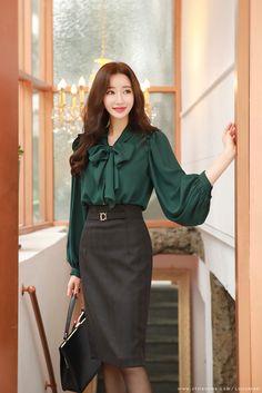 Suit Fashion, Work Fashion, Curvy Fashion, Fashion Outfits, Womens Fashion, Woman Outfits, Fashion Black, Petite Fashion, Business Attire