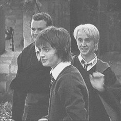 Daniel Radcliffe and Tom Felton Likes Magie Harry Potter, Arte Do Harry Potter, Draco Harry Potter, Harry Potter Actors, Yer A Wizard Harry, Harry Potter Universal, Harry Potter World, Harry Potter Memes, Potter Facts