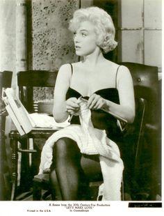 Até a maior diva do cinema adorava tricotar! Marilyn Monroe, maravilhosa! <3