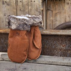 Tested to Warmest mitts you will find! Fur Trim, Daily Fashion, Buffalo, Fashion Forward, Canada, Cozy, Photoshoot, Warm