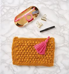 Hook yourself the ultimate accessory with Laura Strutt's tactile textured bag. Team Mollie are always up for expanding their crochet repertoire – especially when handbags are involved – so we couldn't