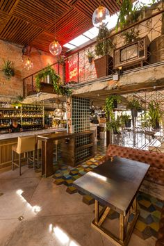 Industrial bars tacos and restaurant on pinterest - Decoracion industrial vintage ...