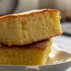 Empanadas, Cornbread, Vanilla Cake, Ethnic Recipes, Desserts, Food, 3 Ingredients, Bread Recipes, Crack Cake