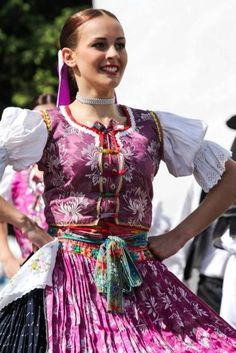 Slovak Dress We Are The World, People Of The World, Folk Costume, Girl Costumes, Ethnic Outfits, Ethnic Clothes, Folk Clothing, Beautiful Costumes, Big Bows