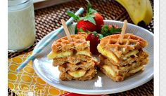 Grilled Peanut Butter Honey Banana Waffle Sandwiches #Food #Drink #Trusper #Tip