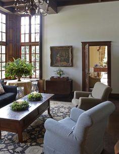 Beatrix Kleuver interior decorator A mix of all kinds of furniture
