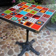 Design Ideas for Mosaic Furniture Art Ceramic Tile Crafts, Mosaic Crafts, Mosaic Projects, Mosaic Art, Mosaic Glass, Mosaic Furniture, Funky Painted Furniture, Art Furniture, Mosaic Tile Designs