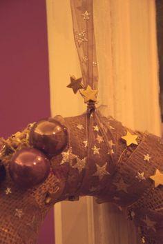 Basteln Light Bulb, Lighting, Home Decor, Crown Cake, Craft, Bulb Lights, Homemade Home Decor, Lights, Bulb