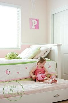 Trundle Bed for Sleeping or Storage | 27 Ways To Rethink Your Bed. Also many, many more ideas.