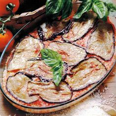 Meaning 'aubergine Parmesan' in Italian, this vegetarian bake with tomato and cheese is ideal for entertaining, from BBC Good Food. Baked Parmesan Tomatoes, Eggplant Parmesan, Food Map, Vegetarian Recipes, Healthy Recipes, Sicilian Recipes, Sauce Tomate, Eggplant Recipes, Italian Dishes