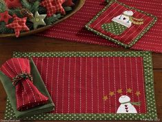The Country Porch features the Home for Holidays Christmas Decorating Theme from Park Designs. Christmas Placemats, Christmas Runner, Christmas Sewing, Christmas Projects, Holiday Crafts, Christmas Holidays, Christmas Decorations, Christmas Ornaments, Holiday Decorating