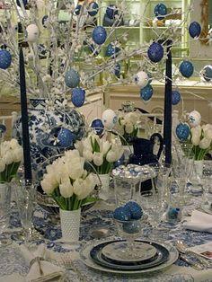 Eddie Ross, blue & white Easter tabletop