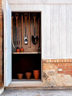 gardeners closet  // Great Gardens & Ideas //