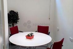 Sala reuniones en Madrid (4 personas con mesa redonda)