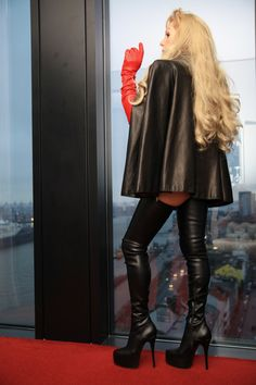 Maßanfertigung in Leder Satin, Mantel, Knee Boots, Leather Skirt, Skirts, Rear View, Fashion, Cowl, Moda
