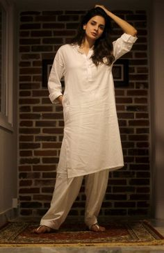 Simple Kurti Designs, Stylish Dress Designs, Kurta Designs, Stylish Dresses, Women's Fashion Dresses, Casual Dresses, Maxi Dresses, Blouse Designs, Pakistani Fashion Casual