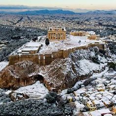 The Parthenon temple looks a perfect wintry picture following rare snowfall in Athens. The recent cold snap brought snowfall to many parts of Greece.  Photo: Eurokinissi/Reuters  #Athens #Greece #Parthenon #Hellas #greek #acropolis #athena