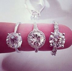 Round cut settings #beautiful #engaged #engagementring THE ONE ON THE RIGHT