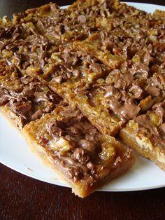 Salt and Chocolate: Butter Pecan Turtle Cookies Köstliche Desserts, Delicious Desserts, Dessert Recipes, Yummy Food, Turtle Cookies, Eat Dessert First, Dessert Bars, Cakepops, Butter Pecan